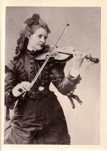 Amanda Maier, Violine